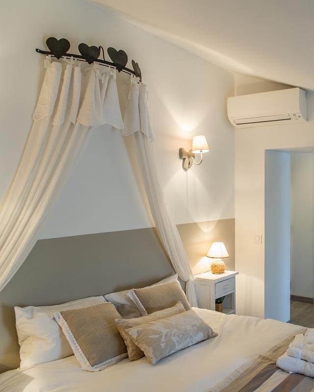 c te saisons restaurant chambres d 39 h tes de charme. Black Bedroom Furniture Sets. Home Design Ideas